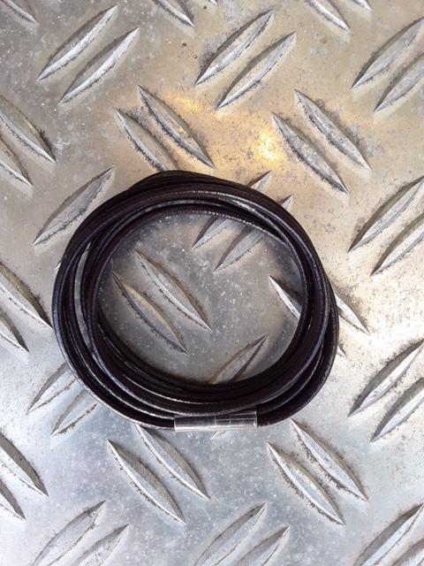 Doppelt gewickelt 3rhg Lederband mit Magnetschloss in Braun
