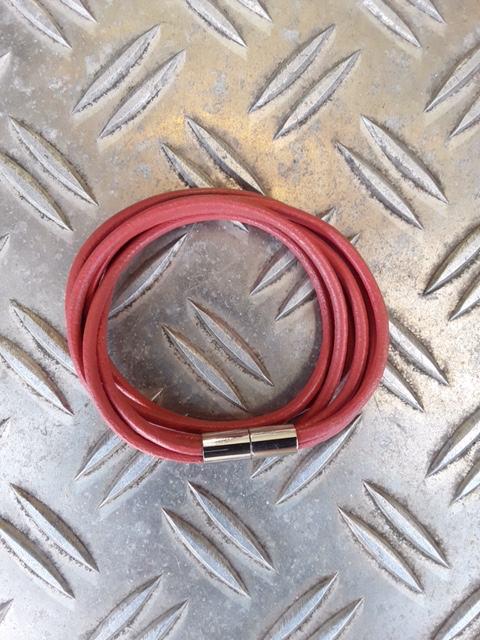 Doppelt gewickelt 3rhg Lederband mit Magnetschloss in Altrosa