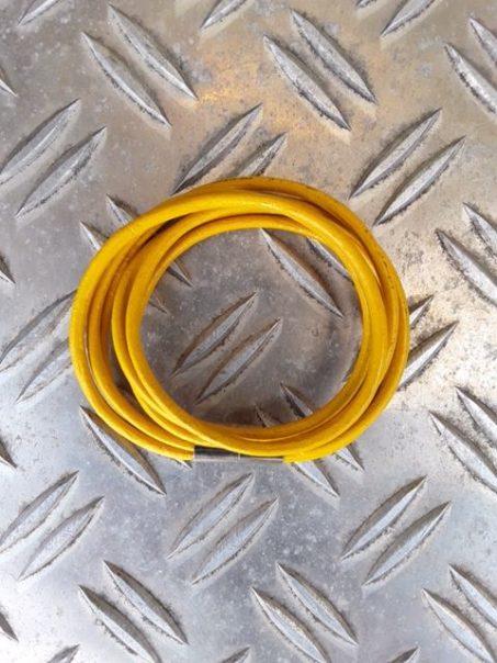 Doppelt gewickelt 3rhg Lederband mit Magnetschloss in Orange