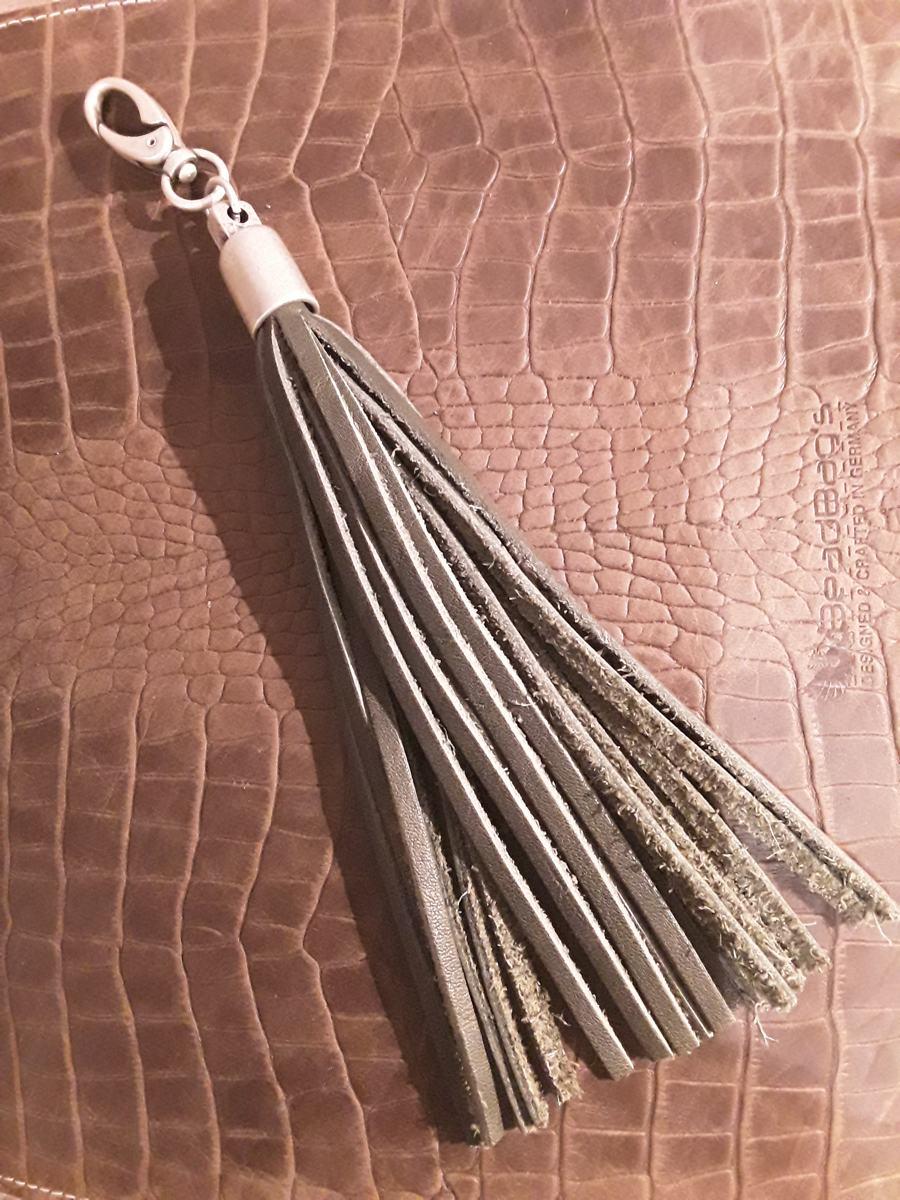 Schlüssel-oder Taschenanhänger aus Leder.